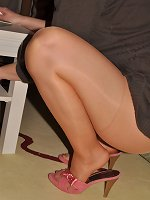 Angel in PIA shiny Pantyhose